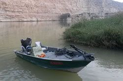 rent-boats-ebro-25hp-portmassaluca