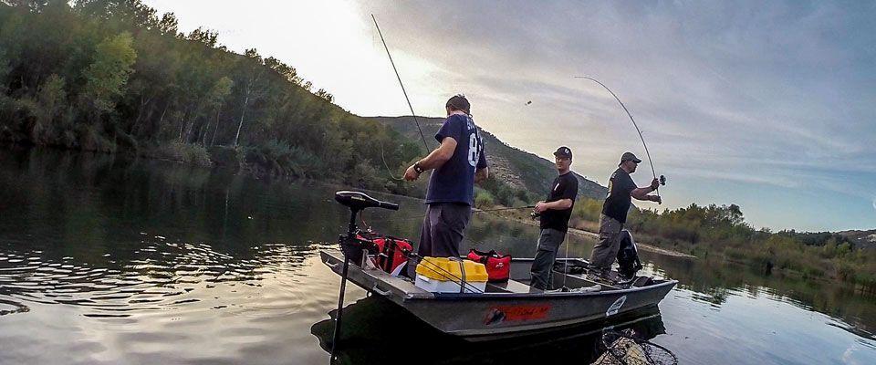 fishing boat rental on the camping port massaluca near mequinenza