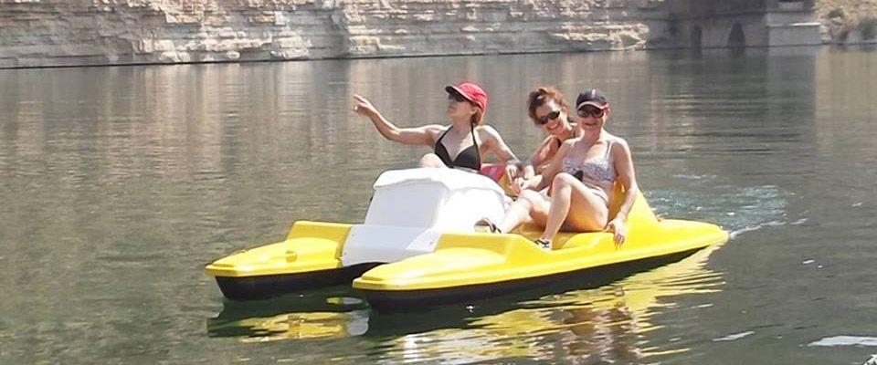 Kayaks-trekking-activities-portmassaluca-campsite-3