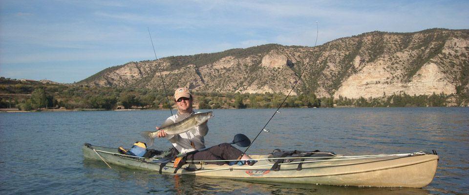 zander fishing from a rental kayak on the Ebro river
